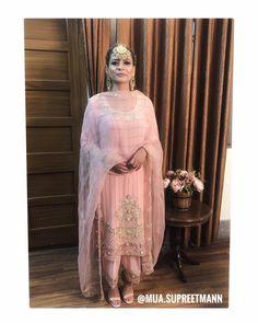 decor Bridal Suits Punjabi, Designer Punjabi Suits Patiala, Punjabi Suits Designer Boutique, Punjabi Dress, Indian Designer Suits, Salwar Suits, Embroidery Suits Punjabi, Embroidery Suits Design, Embroidery Fashion