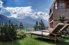 Die fantastischsten Top Wellness Hotels in den Bergen Hotel Am Meer, Hotel In Den Bergen, Wellness, Sun Lounger, Country, Outdoor Decor, Travel, Viajes, Romantic Vacations