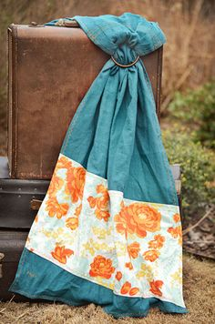 Charlotte; Vintage Inspired  Kalea Baby Ring Sling  100% Linen with cotton print. Check others by Kalea.