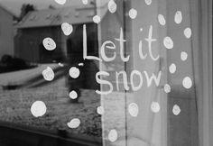 Advent: Fenster bemalen mit natürlicher Farbe Let It Snow, Let It Be, Classroom Window, Homemade Christmas, Diy, 1 Advent, Chalk Painting, Decor, Ideas