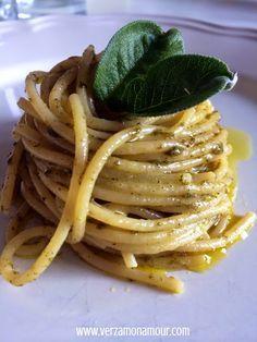 Pesto di....salvia! ~ Ricette di cucina - Le ricette di Verzamonamour.com