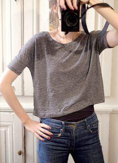 À vendre sur #vintedfrance ! http://www.vinted.fr/mode-femmes/hauts-and-t-shirts-crop-tops/27214581-hm-crop-top-raye-oversized