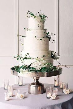 Greenery wedding cake idea #weddings #greenweddings #weddingideas #rusticwedding ❤️ http://www.deerpearlflowers.com/greenery-wedding-cakes/