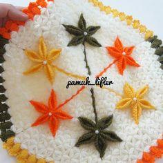 Altı yapraklı lif modeli yapımı - Canım Anne Crochet Mat, Hand Embroidery Art, Washing Clothes, Doilies, Elsa, Diy And Crafts, Anne, Crochet Shawl, Farmhouse Rugs