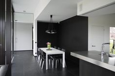 House S by Hilde Vets Architect