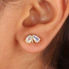 1.38 Ct Rainbow Moonstone Minimalist Stud Earrings Solid 14k Yellow Gold Diamond #Handmade #Stud Solitaire Earrings, Stud Earrings, Solid Gold Jewelry, Diamond Studs, Rainbow Moonstone, Minimalist, Gemstones, Yellow, Handmade