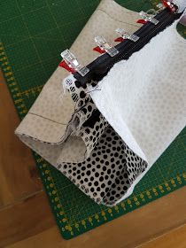 MUMINTALO: TILAIHME, pikkulaukku Sewing Tutorials, Diy And Crafts, Crossbody Bag, Cross Body, Pattern, Bags, Handbags, Patterns, Shoulder Bag