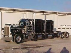 Peterbilt 359 photos, picture # size: Peterbilt 359 photos - one of the models of cars manufactured by Peterbilt All Truck, Big Rig Trucks, Hot Rod Trucks, New Trucks, Custom Trucks, Cool Trucks, Pickup Trucks, Peterbilt 359, Peterbilt Trucks