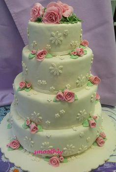 Wedding cake, so pretty.
