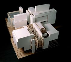 PROF. PETER EISENMAN | International Academy of Architecture