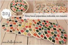Cómo hacer posavasos redondos con mosaicos Mosaic Crafts, Mosaic Art, Mosaic Tiles, Recycled Cds, Diy Coasters, Mosaic Designs, Mug Rugs, Garden Crafts, Diy Projects To Try