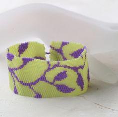 Violet Vine ... Peyote Bracelet . Leaves Leafy . Opaque Violet . Pale Lime Green . Chic . Stylish . Simple . Modern . Feminine . Pretty