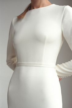 Long sleeve classic minimalist wedding dress Modest covered fit&flare crepe wedding dress Modern gown with train and buttons MONIQUE Langarm klassisches minimalistisches Brautkleid Bescheiden bedeckt Crepe Wedding Dress, Luxury Wedding Dress, Classic Wedding Dress, Cake Wedding, Gown Wedding, Wedding Blog, Different Wedding Dresses, Modest Wedding Dresses, Designer Wedding Dresses