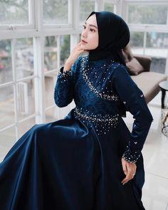 Dress Muslim Modern, Dress Brokat Modern, Kebaya Dress, Dress Pesta, Muslim Fashion, Hijab Fashion, Hijab Dress Party, Model Kebaya, Abaya Designs