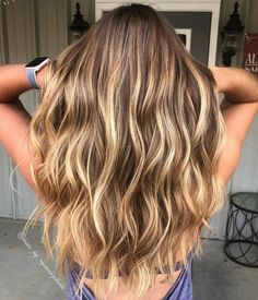 20 light brown hair, looks and ideas - Hochsteckfrisuren.club 20 light brown hair, looks and ideas - Balayage Hair Blonde, Brunette Hair, Blonde Hair On Brunettes, Sunkissed Hair Brunette, Honey Balayage, Brunette Color, Blonde Ombre, Haircolor, Brown Hair With Blonde Highlights
