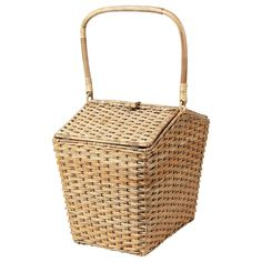 IKEA - SOLBLEKT, Cool basket, rattan, Inside this basket there is a removable bag that you can fill with drinks, fruit and other things you want to keep fresh. The basket is handwoven from rattan – a fast-growing and renewable natural material. Garden Accessories, Home Decor Accessories, Ikea Must Haves, Ikea Basket, Rattan Basket, Ikea Family, Ikea Home, Fibre, Fast Growing
