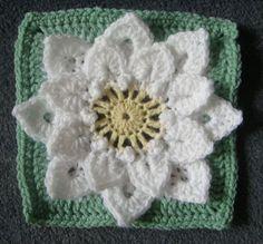 Crocodile Stitch Afghan Block - Dahlia pattern by Joyce Lewis, free crochet pattern on Ravelry. Crochet Flower Squares, Crochet Blocks, Granny Square Crochet Pattern, Crochet Flower Patterns, Crochet Granny, Crochet Motif, Crochet Designs, Crochet Yarn, Crochet Flowers