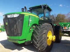 460hp JOhn Deere 9460R.10 hp more then the 9520 of 10 years ago