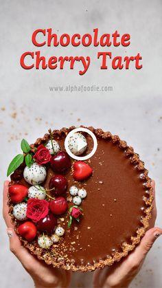 Summer Dessert Recipes, Vegan Dessert Recipes, Tart Recipes, Sweet Recipes, Cooking Recipes, Raw Vegan Desserts, Chocolate Cherry, Vegan Chocolate, Decadent Chocolate