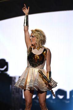 Carrie Underwood Photos - 2016 CMT Music Awards - Arrivals - Zimbio