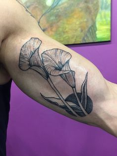 Calla Lilies by Mackenzie Swecker Marked Studios Reno NV Lilly Flower Tattoo, Calla Lily Tattoos, Purple Flower Tattoos, Lillies Tattoo, Flower Thigh Tattoos, Beautiful Flower Tattoos, Floral Tattoos, Girl Half Sleeve Tattoos, Lily Tattoo Sleeve