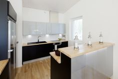 Kivitasku 150 - Keittiö – Ellit.fi Kitchen Dining, Dining Room, Interior Design, Table, Furniture, Home Decor, Decoration, Ideas, Eggs