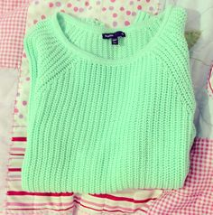 The best time to wear a mint sweater is all the time Mint Sweater, Green Sweater, Teen Fashion, Fashion Outfits, Sweater Weather, Passion For Fashion, Dress To Impress, Autumn Winter Fashion, Winter Outfits
