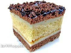 """Prajitura """"Televizor"""" cu blat pufos, foi cu cacao si crema Romanian Food, Romanian Recipes, Cupcake Cakes, Cupcakes, Vanilla Cake, Tiramisu, Cheesecake, Good Food, Sweets"""