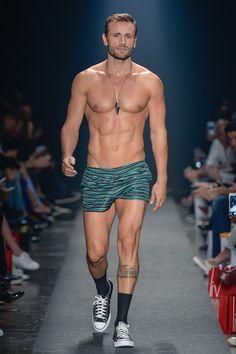 b86db0ad66 Die 124 besten Bilder von Men Swimwear in 2019 | Man fashion ...