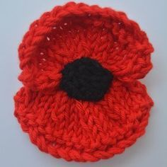 Crochet Flowers Ideas Poppy pattern for next year by Libby Summers Knitted Poppy Free Pattern, Knitted Flower Pattern, Knitted Poppies, Knitted Flowers, Easy Knitting Patterns, Knitting Projects, Crochet Projects, Knitting Ideas, Knitting For Charity