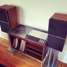 #throwbackthursday retro setup #absoluteprojectmanagent We couldn't resist getting a picture of this beautiful piece in a house we renovated in #islington