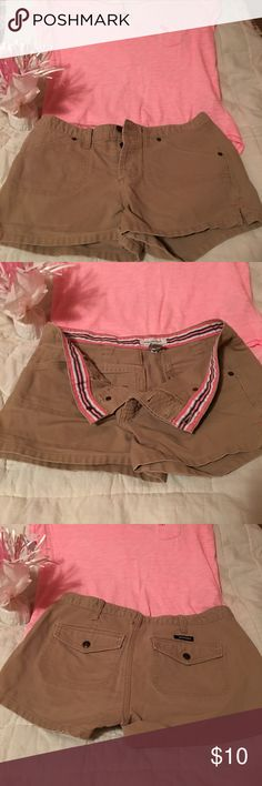 Abercrombie shorts 💕💕 tan button fly Abercrombie shorts. Great shape💕💕 Abercrombie & Fitch Shorts