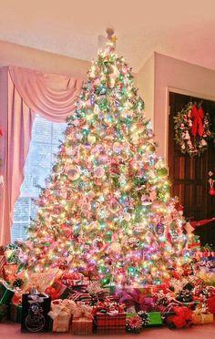 Delightful Pastel Christmas Lights On Pastel Tree.