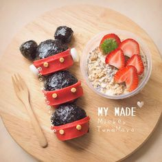 Mickey Tuna Mayonnaise onigiri & strawberry oat