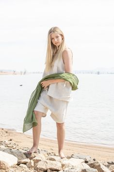 Mito Shorts | Mottled Parchment China Fashion, Summer Looks, Drawstring Waist, White Dress, Style Inspiration, Shorts, Jet, Model, How To Wear