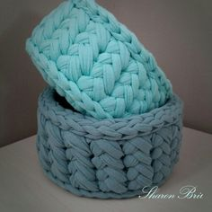 Crochet baskets by Sharon Bril Crochet Quilt Pattern, Crochet Fabric, Fabric Yarn, Crochet Gifts, Crochet Motif, Crochet Yarn, Crochet Patterns, Yarn Projects, Crochet Projects