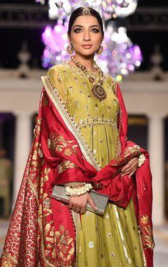 Buy Pakistani Bridal Wear - Mehndi Dress - Pakistani Bridal Dresses With Embroidered Work of Zardozi - MyStyles Simple Pakistani Dresses, Pakistani Bridal Dresses, Pakistani Dress Design, Indian Dresses, Indian Outfits, Indian Designer Outfits, Designer Dresses, Mehndi Dress, Mehendi