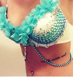 This would be an awesome belly dance bra! Rave Festival, Festival Wear, Festival Fashion, Steam Punk, Bedazzled Bra, Danza Tribal, Diy Bra, Rave Gear, Rave Makeup