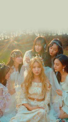 Gfriend Sowon, Gfriend Yuju, Asian Flowers, Lock Screen Wallpaper, Wallpaper Lockscreen, Wall Paper Phone, G Friend, Girl Day, K Idols