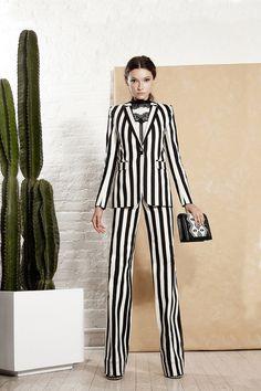 Alice   Olivia Spring 2016 Ready-to-Wear Fashion Show  http://www.vogue.com/fashion-shows/spring-2016-ready-to-wear/alice-olivia/slideshow/collection#13