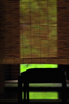 Japanese bamboo screen, Misu 御簾 v Japanese Bamboo, Japanese House, Japanese Art, Washitsu, Bamboo Screening, Bamboo Blinds, Turning Japanese, Japanese Interior, Nihon