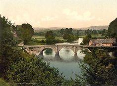 Historic color print of Dinham Bridge, Ludlow, England in Ludlow, England England, Snowdonia, Old Pictures, Vintage Postcards, Beautiful Landscapes, Britain, Places To Visit, Europe, River