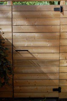 Fence/gate modern