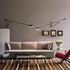 265: Discover the Flos wall and ceiling lamp model 265
