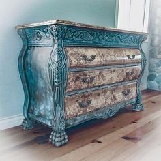 Patina Rusted Dresser distressed green shabby chic dresser farmhouse rustic furniture french - May 26 2019 at Rustikalen Shabby Chic, Shabby Chic Zimmer, Shabby Chic Bedrooms, Shabby Vintage, Shabby Chic Homes, Shabby Chic Furniture, Rustic Furniture, Vintage Furniture, Bedroom Rustic