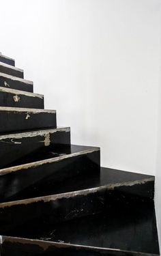Black Stairs | Colour
