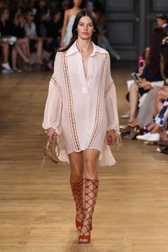 Chloe - Ready-to-Wear - 2015 Spring-Summer Fashion Week Paris, 70s Fashion, Runway Fashion, Spring Fashion, High Fashion, Emilio Pucci, Chloe, Safari, European Fashion