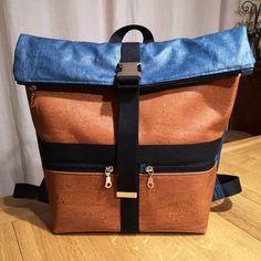 Cécile Courtine sur Instagram: Enfin un Sacôtin pour moi ! Voici le sac à dos Troïka des @patrons_sacotin qui m'accompagnera au boulot. Les tissus et la mercerie viennent…