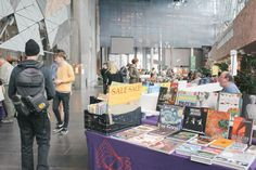 A splendid combination of our love for markets + books. This weekly market at Melburne's Federation Square is an excellent place to browse for your next read. #books #market #melbourne #fedsquare Klaus and Fritz | http://klausandfritz.com/book-browsing-at-fed-square-book-market/