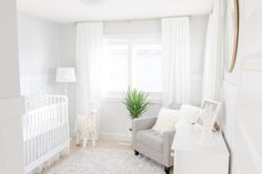 White and Grey Gender-Neutral Nursery 2019 Full room view of white and grey gender-neutral nursery Light and bright gray nursery inspiration with llama The post White and Grey Gender-Neutral Nursery 2019 appeared first on Nursery Diy. Gold Nursery, Nursery Neutral, Nursery Room, Neutral Nurseries, Elephant Nursery, Grey White Nursery, Gray Baby Rooms, Baby Nursery Grey, Grey And White Room